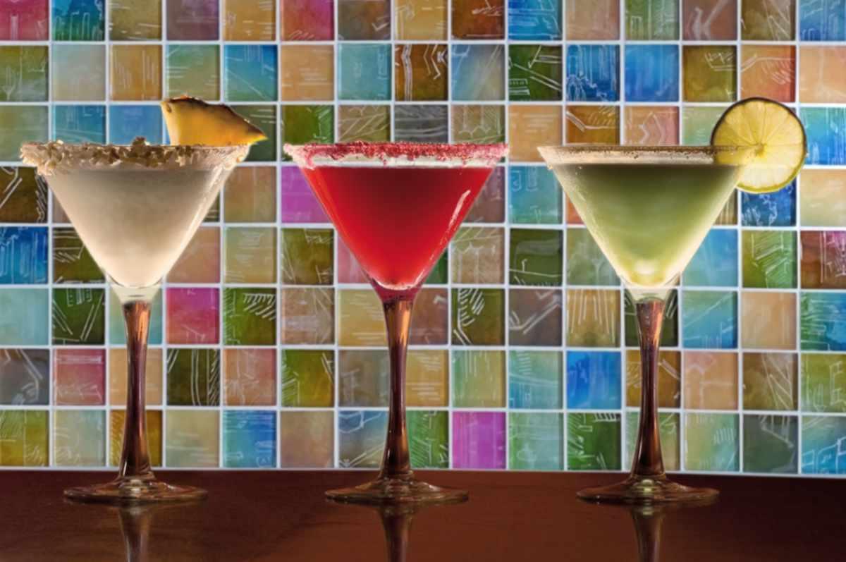 14839 HPH Glasmosaik Neon-3 Cocktailbar